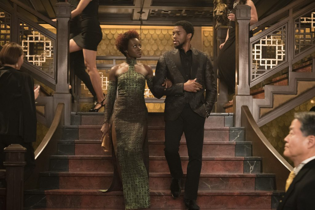 Marvel Studios' BLACK PANTHER L to R: Nakia (Lupita Nyong'o) and T'Challa/Black Panther (Chadwick Boseman) Photo: Matt Kennedy ©Marvel Studios 2018